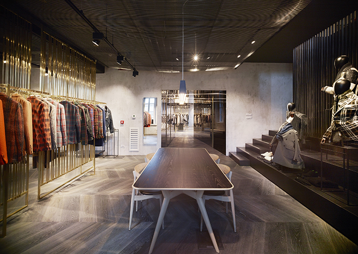 l-showroom-enl_01
